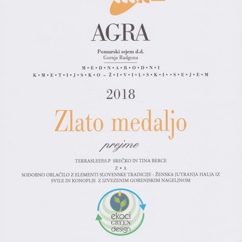 Zlata medalja AGRA 2018 - sodobno oblačilo z elementi slovenske tradicije