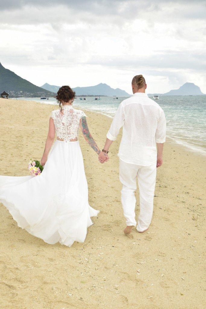 Fotke s poroke v lanenih oblačilih Terrasleep EN